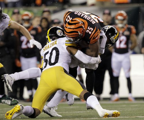 Pittsburgh Steelers win on last-second FG after Ryan Shazier injury