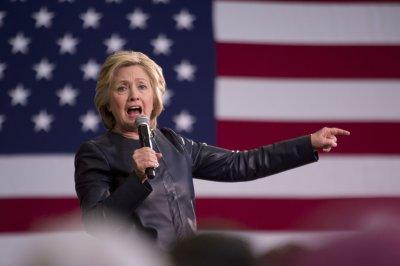 Clinton beats Sanders, Trump in New Jersey poll