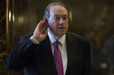 Mike Huckabee resigns from CMA Board after one day