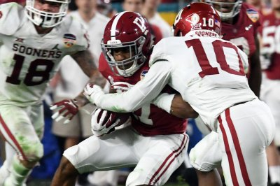 Alabama WR Jaylen Waddle a game-time decision for Monday's CFP title game