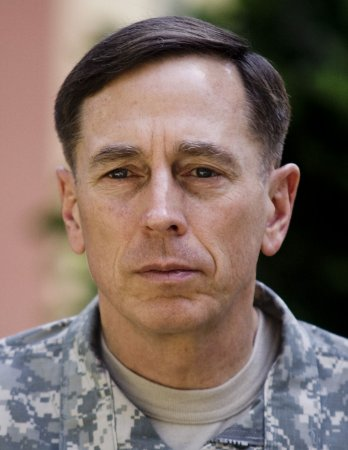 Petraeus, Pakistani military leader meet