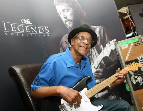 Blues guitarist Hubert Sumlin dead at 80