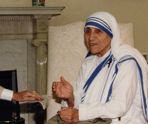 Hindu leader questions Mother Teresa's motives
