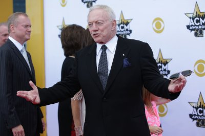 Dallas Cowboys' owner Jerry Jones defends investment in DraftKings