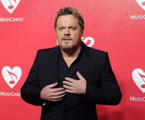 Eddie Izzard will attempt to run 27 marathons in 27 days