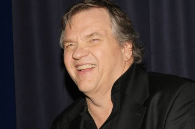 Meat Loaf collapses on stage in Canada