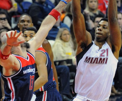 Hassan Whiteside dominates as Miami Heat complete sweep of Houston Rockets