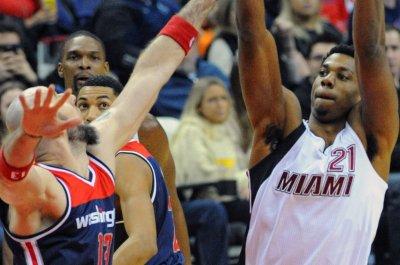 Hassan Whiteside dominates as Miami Heat complete sweep of Houston Rockets
