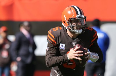 Browns' Baker Mayfield walks out of press conference after heated exchange