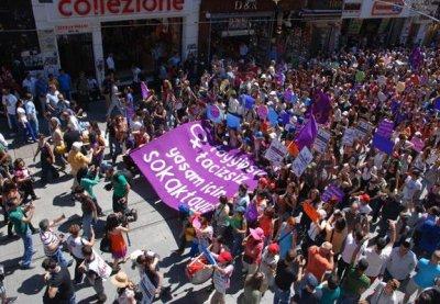 Turkish protests rattle Erdogan's female loyalists