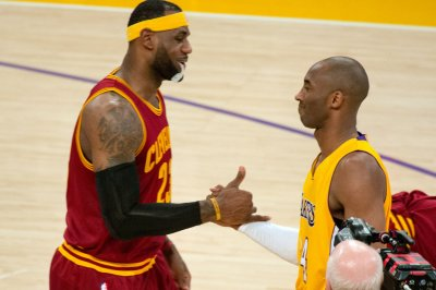 LeBron James, Cavaliers take care of Kobe Bryant, Lakers