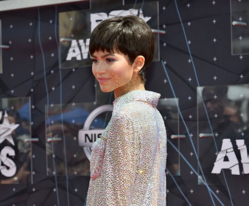 Zendaya defends wig choice at BET awards