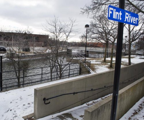 Flint, Mich., mayor proposes broad lead pipe replacement program