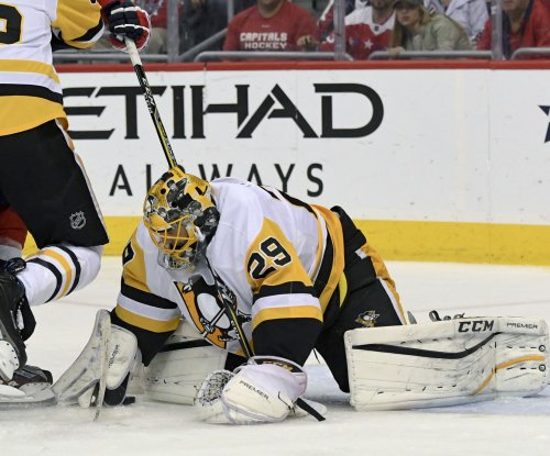 Pittsburgh Penguins goalie Marc-Andre Fleury waives no-movement clause