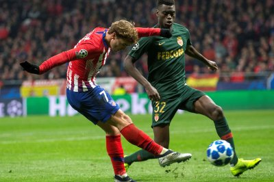Champions League: Antoine Griezmann helps Atletico Madrid advance