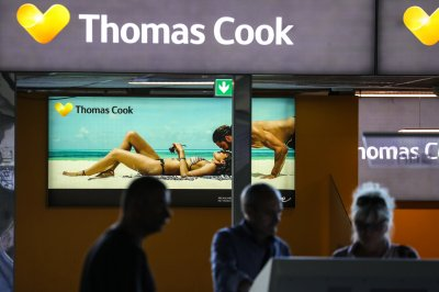British tour operator Thomas Cook folds, leaving 600K stranded worldwide