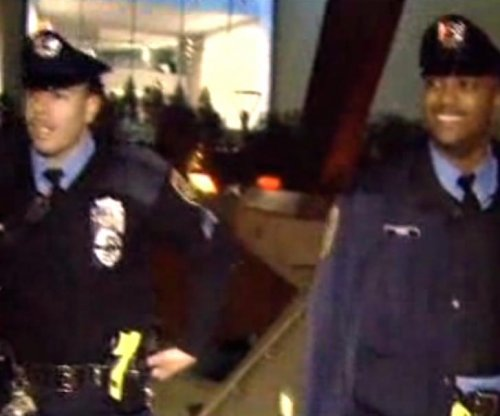 Philadelphia police deliver Christmas Eve baby on SEPTA train