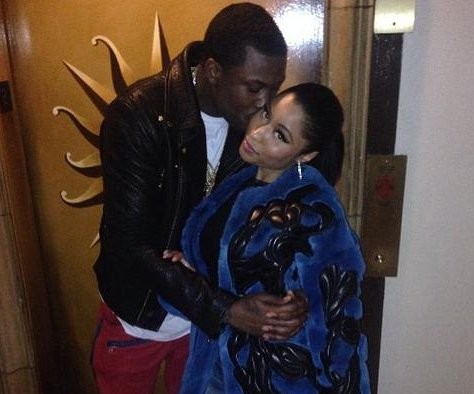 Nicki Minaj shares kiss photo with Meek Mill