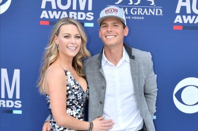 Granger Smith's wife says late son's organs helped save lives