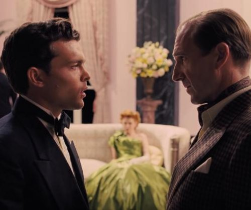 Ralph Fiennes stars in new 'Hail, Caesar!' trailer