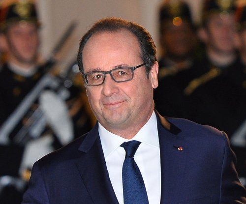 Francois Hollande announces $2K hiring bonuses to tackle 'economic emergency'