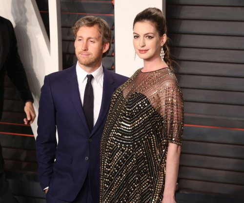 Anne Hathaway gives birth to first child