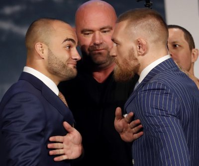 Conor McGregor to fight Eddie Alvarez at UFC 205 in NYC Nov. 12