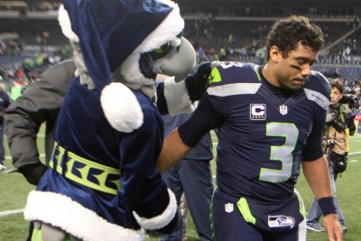 Russell Wilson, Seattle Seahawks edge San Francisco 49ers in Chip Kelly's last game