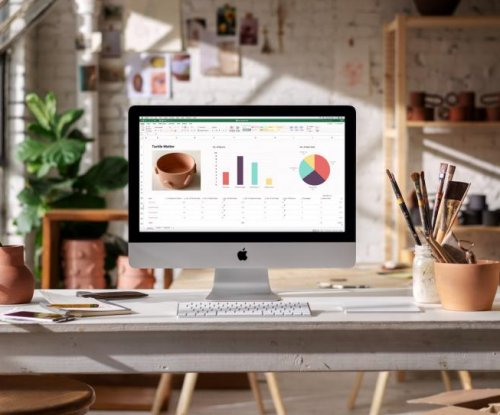 Apple introduces iMacs with new Intel processors