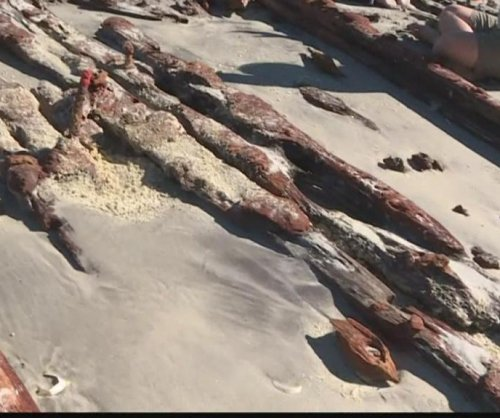 Erosion from hurricane reveals shipwreck on Florida beach
