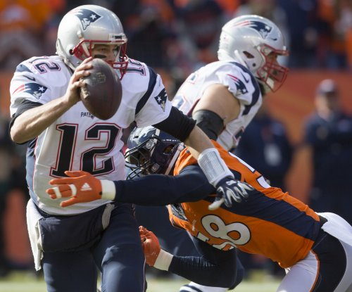 New England Patriots' Tom Brady finally speaks at Kevin Faulk's induction