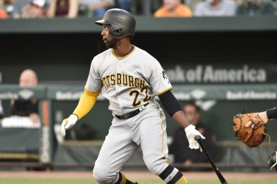 Andrew McCutchen's HR caps Pittsburgh Pirates' 4-3 win over Chicago Cubs