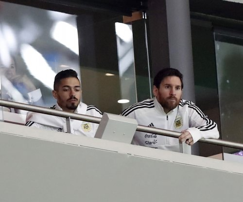 Spain destroys Messi-less Argentina