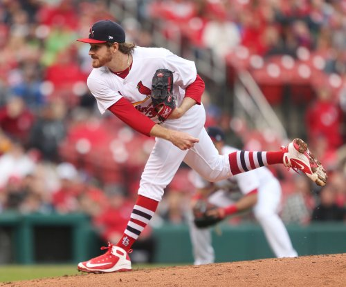 Cardinals' Mikolas aims to stay perfect vs. Pirates