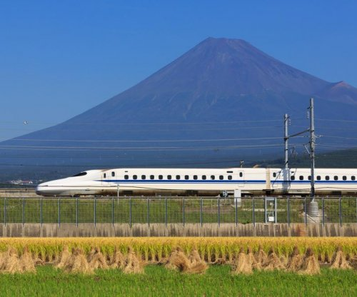Man burns himself aboard Japanese bullet train