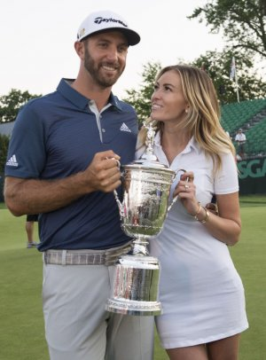 Paulina Gretzky's dress upstages Dustin Johnson's U.S. Open win