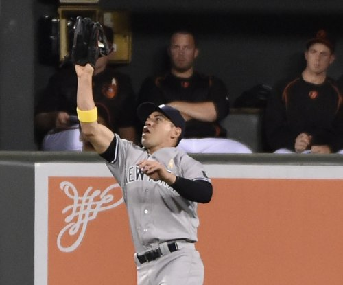 New York Yankees shut down CF Jacoby Ellsbury as headaches return
