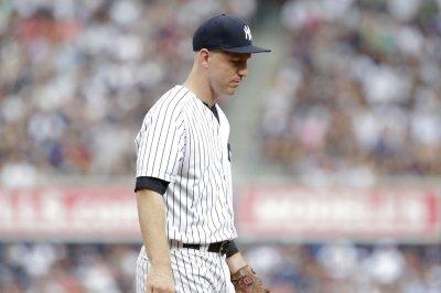 Todd Frazier: New York Yankees 3B falls for hidden ball trick vs. Toronto Blue Jays