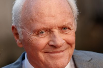 'Two Popes' -- with Anthony Hopkins, Jonathan Pryce -- to open Nov. 27