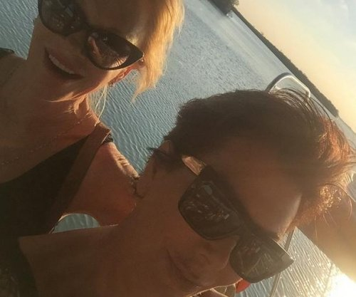 Melanie Griffith and Kris Jenner vacation in Cancun
