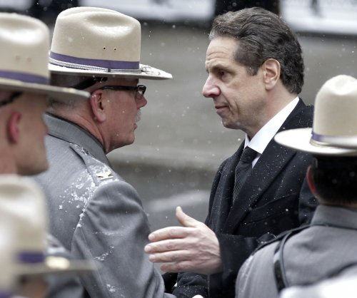 Cuomo orders homeless to seek shelter during cold spells
