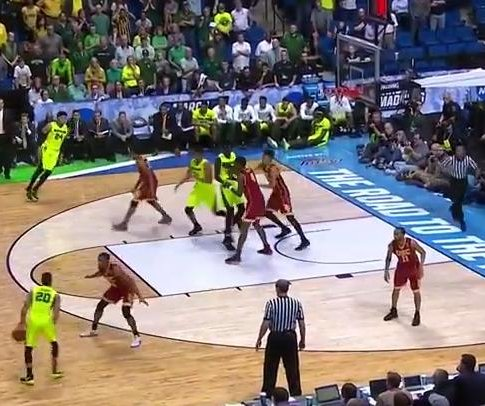 NCAA: Baylor overcomes late deficit to top USC