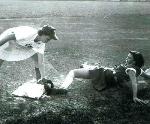 Real-life 'A League of Their Own' players celebrate 75th anniversary