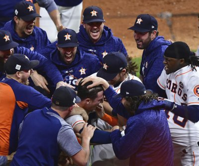 MLB, Astros investigating claims team stole signs in 2017