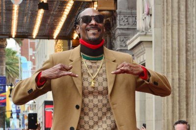 Snoop Dogg, Deshaun Watson to compete in Pro Bowl on 'Madden NFL 21'