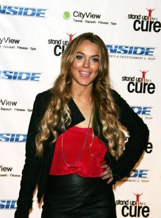 Lohan denies Ronson breakup rumors