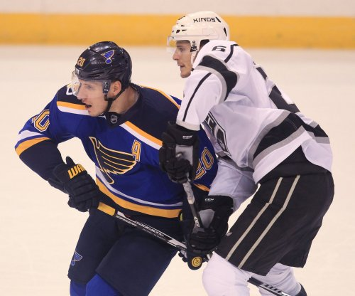 Vancouver Canucks land Nic Dowd from Los Angeles Kings