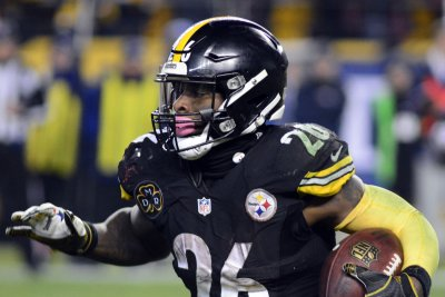 RB Le'Veon Bell very interested in playing for Indianapolis Colts