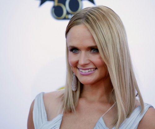 Miranda Lambert reveals new look after Blake Shelton split