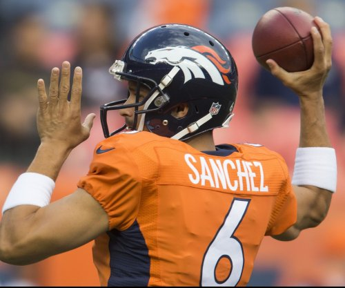 Chicago Bears signing QB Mark Sanchez